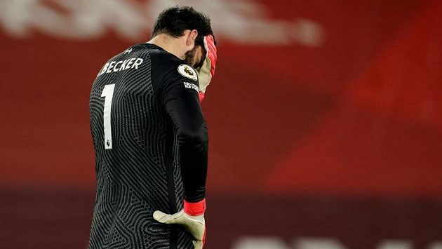 Gólmana Liverpoolu Alissona postihla rodinná tragédie.