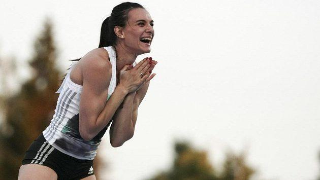 Jelena Isinbajevová žádá IAAF o start v Riu.