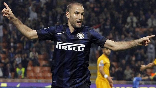 Rodrigo Palacio z Interu Milan se raduje z gólu.