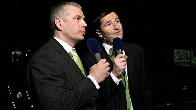 Hokejový expert Milan Antoš a televizní komentátor Robert Záruba.
