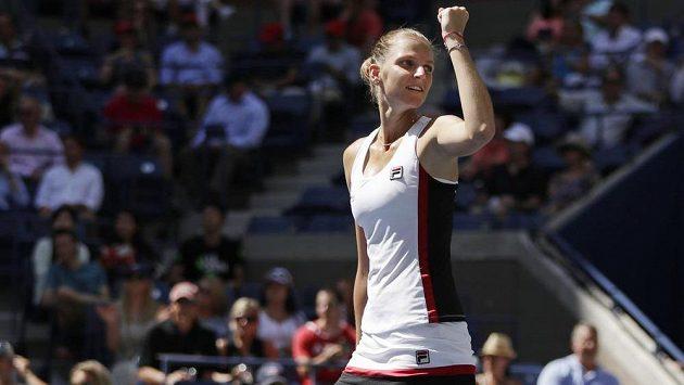 Radost Karolíny Plíškové. Češka ve čtvrtfinále US Open suverénně přehrála Anu Konjuhovou z Chorvatska.