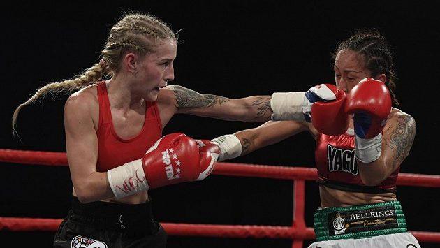 Boxerka Fabiana Bytyqi obhájila titul mistryně světa organizace WBC v lehké minimuší váze