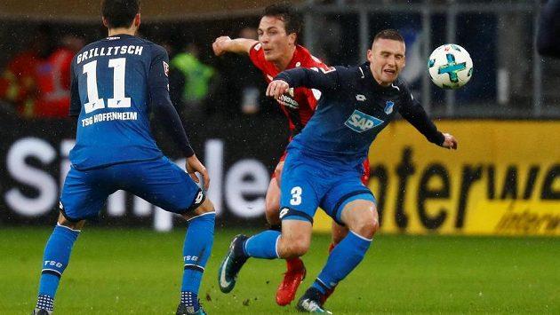 Český fotbalista Pavel Kadeřábek musel překousnout s Hoffenheimem bundesligovou porážku s Leverkusenem.