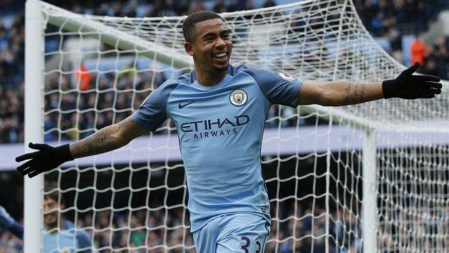 Gabriel Jesus vstřelil oba góly Manchesteru City v ligovém utkání proti Swansea.