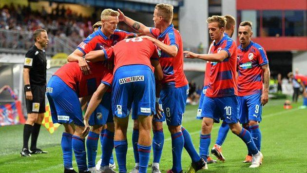 Plzeňská radost po gólu Michaela Krmenčíka proti Zlínu.