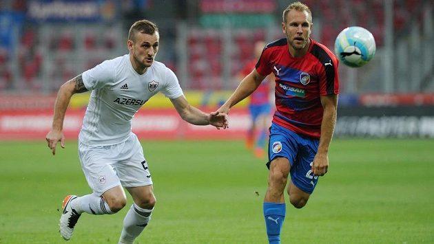 FOTBAL ON-LINE: Plzeň dohrává zápas sKarabachem bez vyloučeného Baránka. Sparta remizovala se Steauou