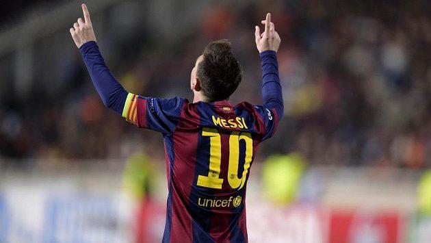 Lionel Messi v Barceloně vyrůstal a v dresu Blaugrana odehrál celou kariéru. Dá katalánskému týmu vale a přesune se do Chelsea?