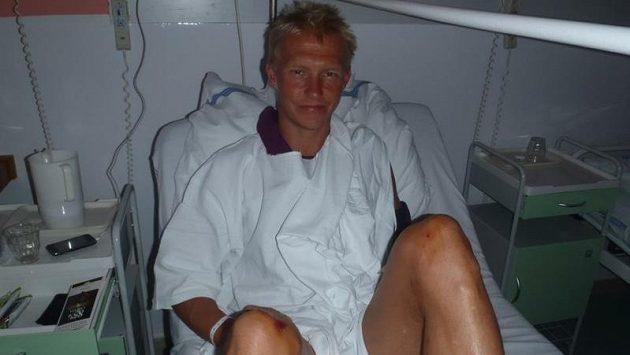 Triatlonista Petr Vabroušek ve zlínské nemocnici po srážce s autem.