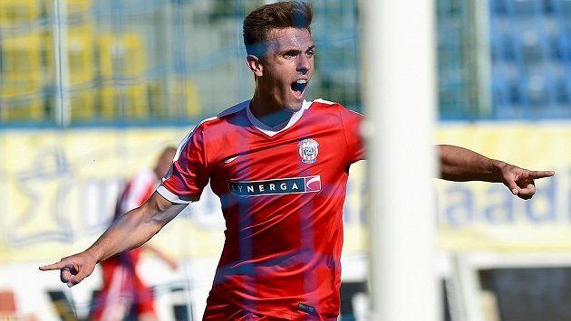 Antonín Růsek z Brna se raduje z gólu během ligového utkání v Teplicích.