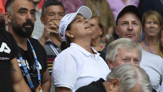 Trenérka Karolíny Plíškové Conchita Martínezová při zápase se Serenou Williamsovou.