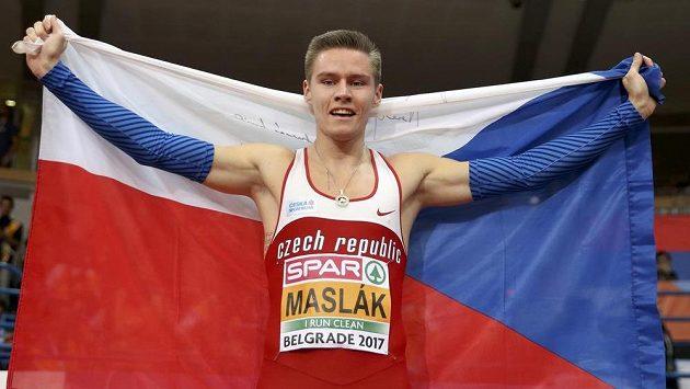Čtvrtkařská fantazie! Pavel Maslák získal na halovém mistrovství Evropy potřetí zlato.
