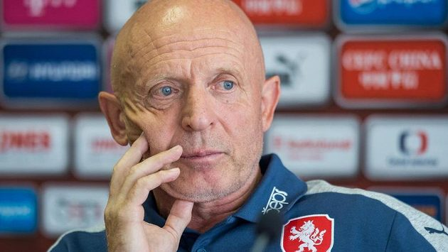 Trenér české fotbalové reprezentace Karel Jarolím