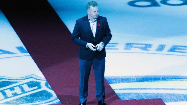 Daniel Alfredsson při slavnostní buly před duelem Global Series ve Stockholmu.