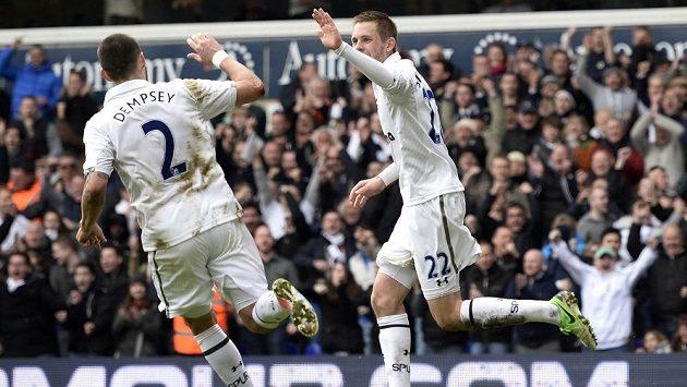 Fotbalisté Tottenhamu doma porazili obhájce titulu.
