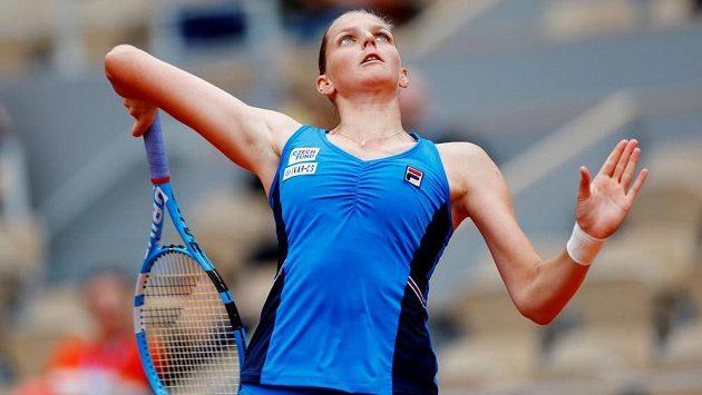 Karolína Plíšková v akci na letošním French Open.