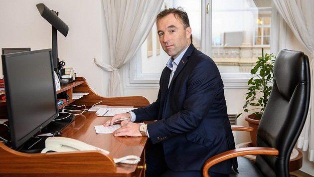 Předseda NSA Milan Hnilička.