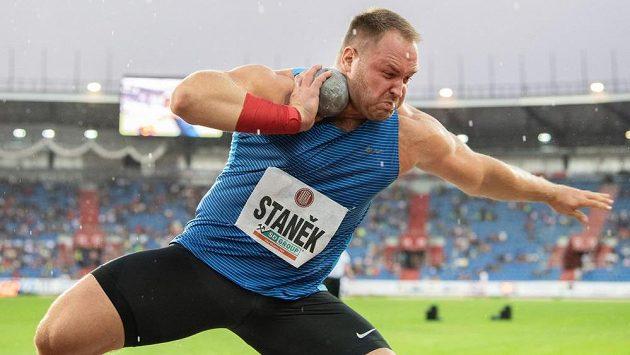 Koulař Tomáš Staněk během atletického mítinku Zlatá tretra.