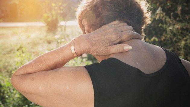 Co je na krční páteř nejlepší? Běžet maraton pozadu, zjistil Američan. (ilustrační foto)