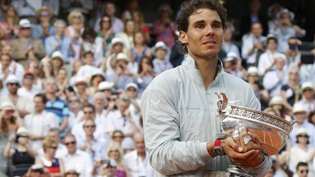 Rafael Nadal měl z devátého triumfu v Paříži slzy na krajíčku.