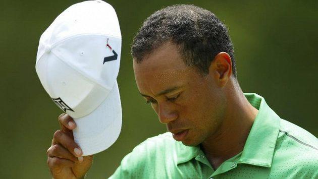 Tiger Woods zůstal v Quail Hollow o jediný úder pod hranicí postupu.
