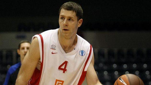 Basketbalista Nymburka Petr Benda