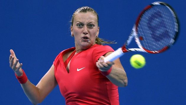 Petra Kvitová ve čtvrtfinálovém zápasu turnaje v Pekingu proti domácí Li Na.