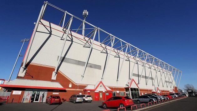 Stadión v Crewe na severu Anglie, kde obviněný kouč Barry Bennell v minulosti vedl mládežnický tým.