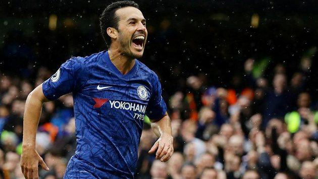 Fotbalisty AS Řím posílil španělský útočník Pedro, kterému po pěti letech vypršela smlouva v Chelsea.