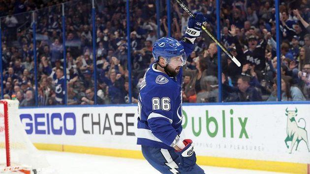 Nikita Kučerov kraluje kanadskému bodování NHL.