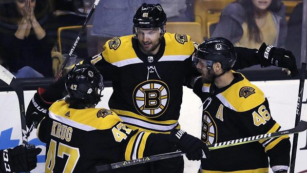 Po přihrávce Davida Krejčího (46) poprvé v dresu Bostonu skóroval Rick Nash (61), pro kterého to byl 800. bod v NHL.