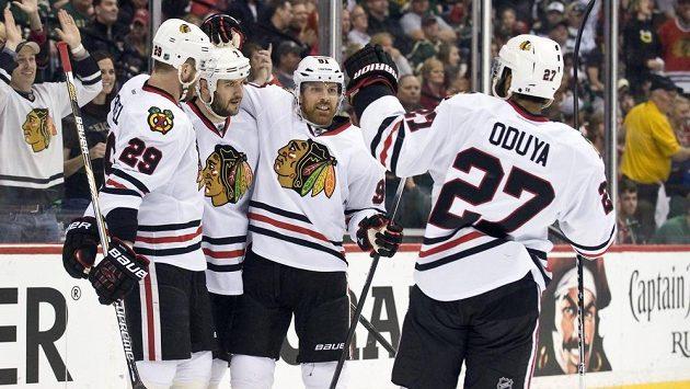 Chicago ve druhém kole play off NHL přejelo Minnesotu jednoznačně 4:0 na zápasy.