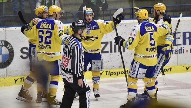 Hráči Zlína se radují ze vstřeleného gólu - ilustrační snímek.