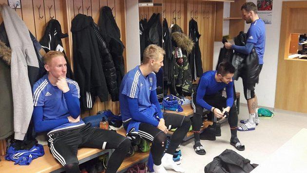 Poprvé v kabině Sigmy v pátek usedl útočník Jakub Řezníček (vpravo).
