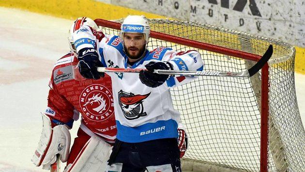 Hokejový útočník Dávid Skokan bude i nadále pokračovat v Chomutově