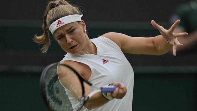 Úsilí Karolíny Muchové ve čtvrtfinále Wimbledonu.