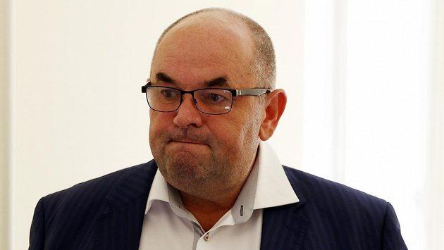 Kouč Bohemians Luděk Klusáček po zápase v Jablonci zuřil, tvrdil, že majitel domácího klubu Miroslav Pelta (na snímku) byl v poločase v kabině rozhodčích.