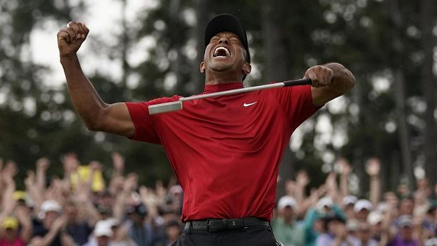 Radost Tigera Woodse po triumfu na turnaji Masters.