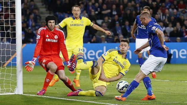 Petr Čech pomohl Chelsea jen v několika ligových zápasech. Když ale nastoupil, tak nezklamal.