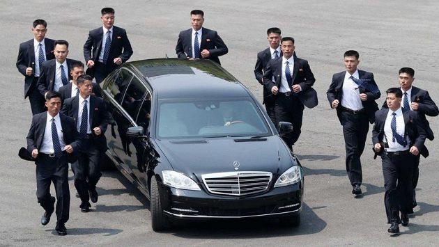 Kdo neumí pořádně běhat, nemůže být v Kimově ochrance.