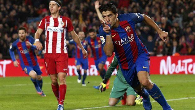 Luis Suárez (vpravo) se raduje z gólu v odvetě semifinále Španělského poháru.