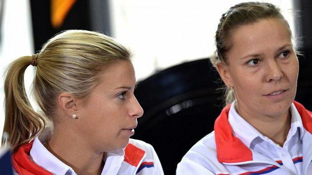 České deblistky Andrea Hlaváčková (vlevo) a Lucie Hradecká.