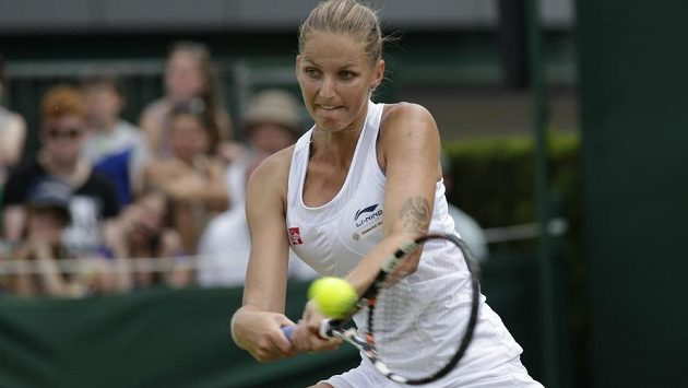Karolína Plíšková v utkání 2. kola Wimbledonu.