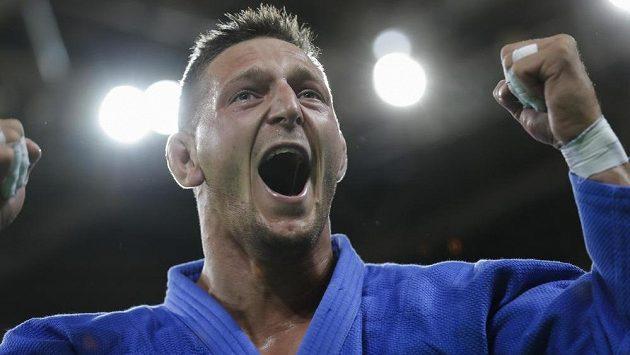 Judista Lukáš Krpálek slaví olympijské zlato.