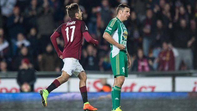 Aleš Čermák ze Sparty oslavuje svůj gól na 1:0 proti Bohemians.