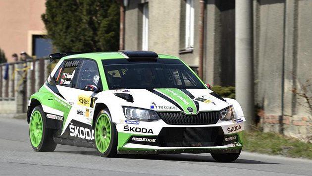 Posádka Jan Kopecký a Pavel Dresler s autem Škoda Fabia R5 na Valašské rallye.