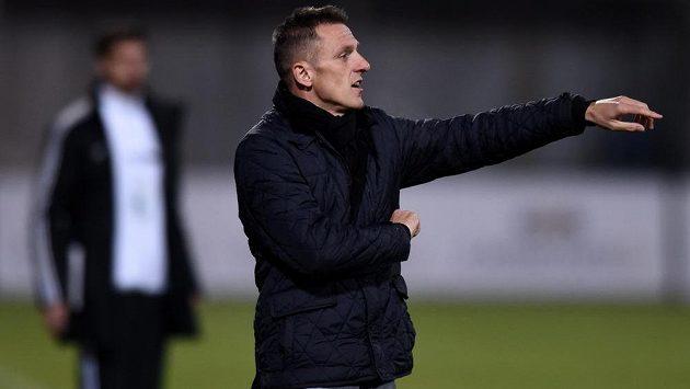 Trenér Dukly Luboš Kozel vyrukuje proti týmu, s nímž jako hráč získal titul.