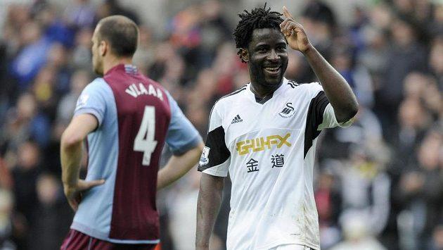 Kanonýr Swansea Bony Wilfried by mohl v létě odejít do Arsenalu. Nebo do Borussie. Nebo do Monaka...