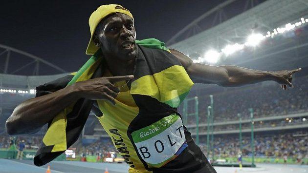 Jamajčan Usain Bolt slaví vítězství v běhu na 100 metrů.