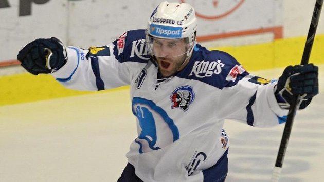 Nicholas Johnson z Plzně se raduje z úvodního gólu zápasu s Vítkovicemi.