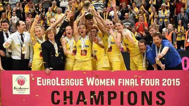 Šampiónky! Basketbalistky USK Praha ovládly Euroligu.